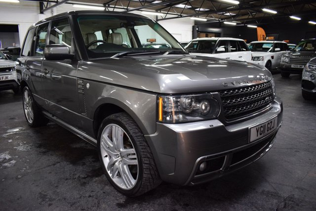USED 2011 11 LAND ROVER RANGE ROVER 4.4 TDV8 VOGUE 5d 313 BHP FULL OVERFINCH CONVERSION STUNNING CAR - FULL OVERFINCH BODYKIT AND ALLOYS - 7 STAMPS TO 48K - LAST SERVICE AT LANDROVER COSTING £2K - IVORY LEATHER - NAV - TV - DUAL VIEW