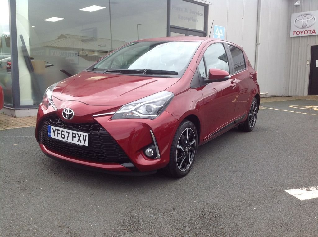 USED 2017 67 TOYOTA YARIS 1.5 Design 5door Sat nav, reverse camera, DAB