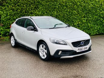 2013 VOLVO V40 1.6 D2 CROSS COUNTRY LUX 5d 113 BHP £7790.00