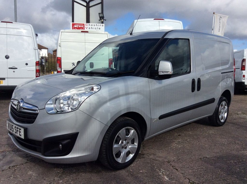 USED 2015 15 VAUXHALL COMBO VAN 1.3 2000 L1H1 CDTI S/S SPORTIVE 90 BHP 1 OWNER FSH NEW MOT FREE 6 MONTH WARRANTY INCLUDING RECOVERY AND ASSIST NEW MOT EURO 5 SPARE KEY TWIN SIDE LOADING DOORS ELECTRIC WINDOWS AIR CONDITIONING REAR PARKING SENSORS