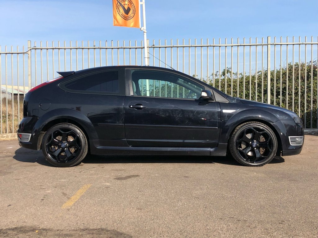 USED 2007 07 FORD FOCUS 2.5 ST 3d 225 BHP