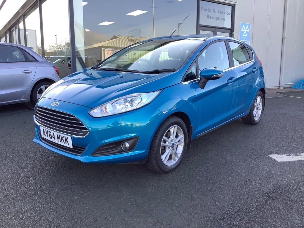 USED 2014 64 FORD FIESTA 1.6 Zetec Automatic 5door Automatic, low mileage