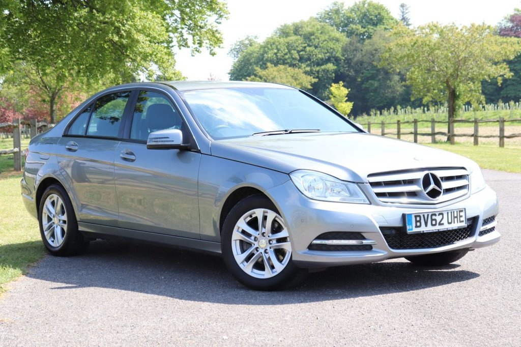 USED 2012 62 MERCEDES-BENZ C-CLASS 2.1 C220 CDI BLUEEFFICIENCY EXECUTIVE SE 4d 168 BHP Leather + Cruise + Parking Aid + Fsh