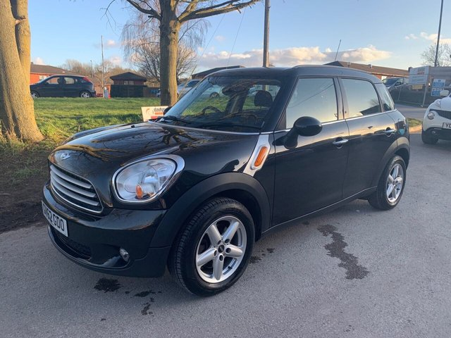 USED 2012 62 MINI COUNTRYMAN 1.6 COOPER 5d 122 BHP EXCELLENT EXAMPLE WITH SERVICE HISTORY, ALLOY WHEELS, AIR CONDITIONING, RADIO/CD/AUX/USB, ELECTRIC WINDOWS
