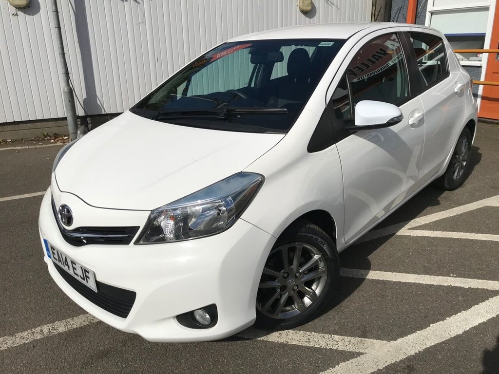 USED 2014 14 TOYOTA YARIS 1.3 VVT-I ICON PLUS 5d 99 BHP ONE FORMER KEEPER