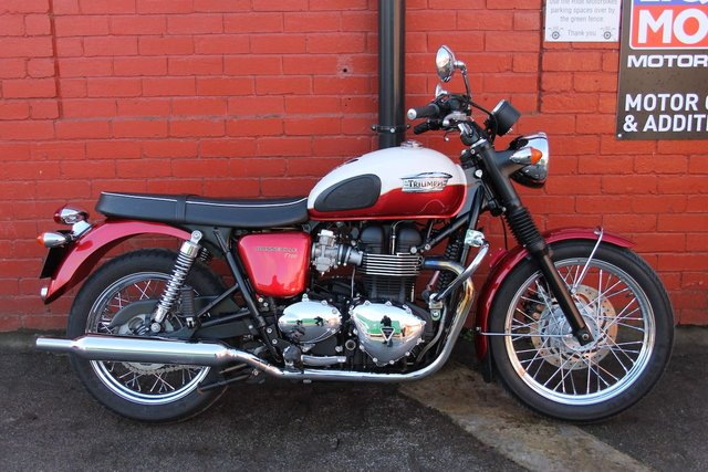 USED 2013 TRIUMPH T100 Bonneville *Low Mileage, Beautiful Bike, 3mth Warranty* Stunning Retro Bike, Finance and Delivery Available.