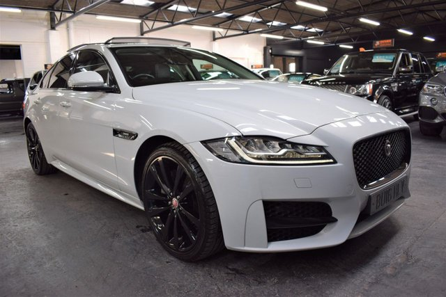 USED 2016 16 JAGUAR XF 2.0 R-SPORT 4d 177 BHP AUTO STUNNING CAR - BLACK PACK - NAV - TWO TONE LEATHER - PANORAMIC ROOF - 20 INCH BLACK ALLOY