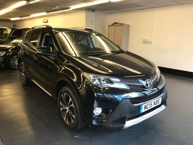 USED 2015 15 TOYOTA RAV4 2.2 D-4D INVINCIBLE 5d 150 BHP 1 PREVIOUS OWNER, REAR CAMERA, TOUCHSCREEN SATNAV, FULL LEATHER HEATED SEATS.