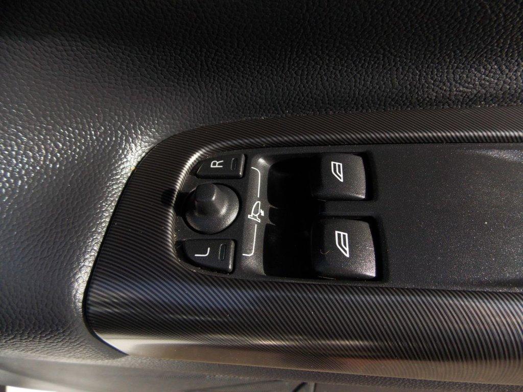 USED 2013 13 VOLVO C30 1.6 D2 R-DESIGN LUX 3d 113 BHP