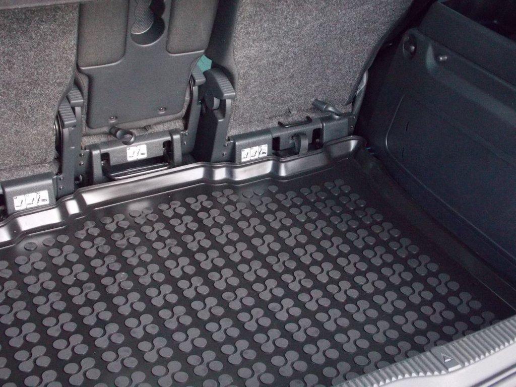 USED 2010 10 SKODA ROOMSTER 1.6 SE 16V 5d 103 BHP