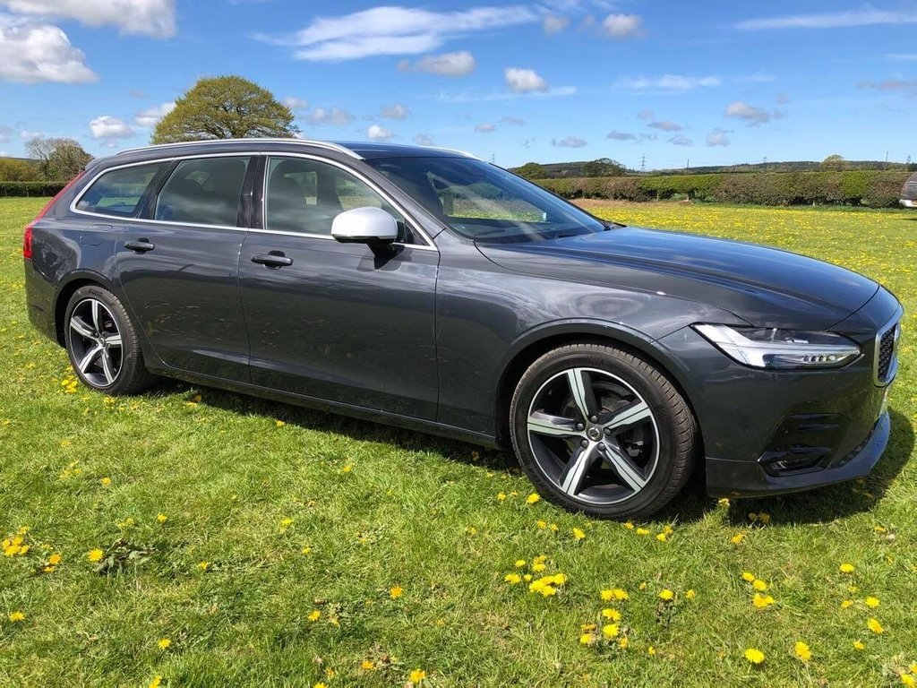 USED 2018 18 VOLVO V90 2.0 D4 R-DESIGN 5d 188 BHP Bluetooth : DAB radio : Sat Nav : R-Design contrasting leather upholstery : Electric/Heated front seats : Cargo/load cover : Remotely operated tailgate : Rear parking sensors