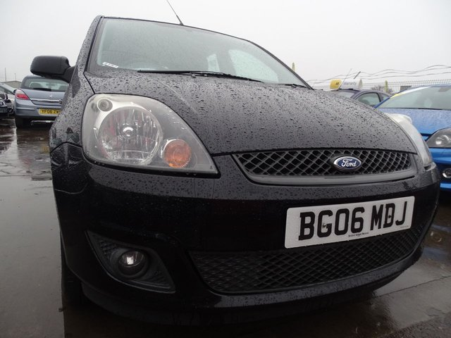 USED 2006 06 FORD FIESTA 1.4 ZETEC CLIMATE 16V 5d GREAT FIRST CAR