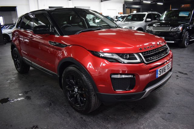 USED 2016 16 LAND ROVER RANGE ROVER EVOQUE 2.0 TD4 SE TECH 5d 177 BHP 4X4 AUTO  GREAT VALUE 2016 TECH SE - 4X4 - AUTO - NAV - LEATHER - HEATED SEATS - GLASS PANORAMIC ROOF - PRIVACY GLASS