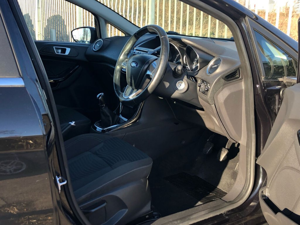 USED 2015 15 FORD FIESTA 1.2 ZETEC 5d 81 BHP ** SPECIAL FACEBOOK ONLY OFFER ** ... OWN FROM AS LITTLE AS £169 DEPOSIT AND £169 P/M (full details available on request - subject to T&C's and acceptance)