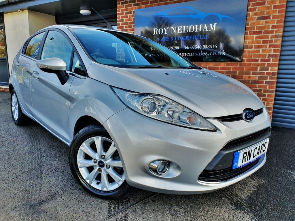 USED 2010 10 FORD FIESTA 1.4 ZETEC 16V 5DR 96 BHP * 1 LADY OWNER - AUTO - LOW MILES *