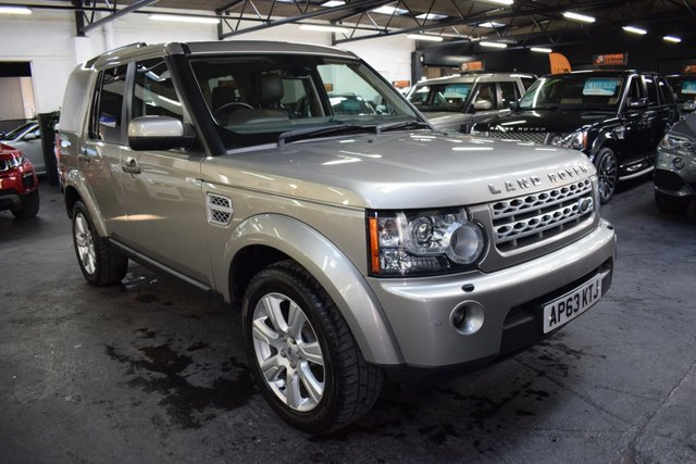 USED 2013 63 LAND ROVER DISCOVERY 4 3.0 4 SDV6 HSE 5d 255 BHP STUNNING CONDITION - ONE OWNER FROM NEW - 7 LANDROVER SERVICE STAMPS TO 89K MILES - LEATHER - NAV - H/SEATS - TRIPLE SUNROOFS