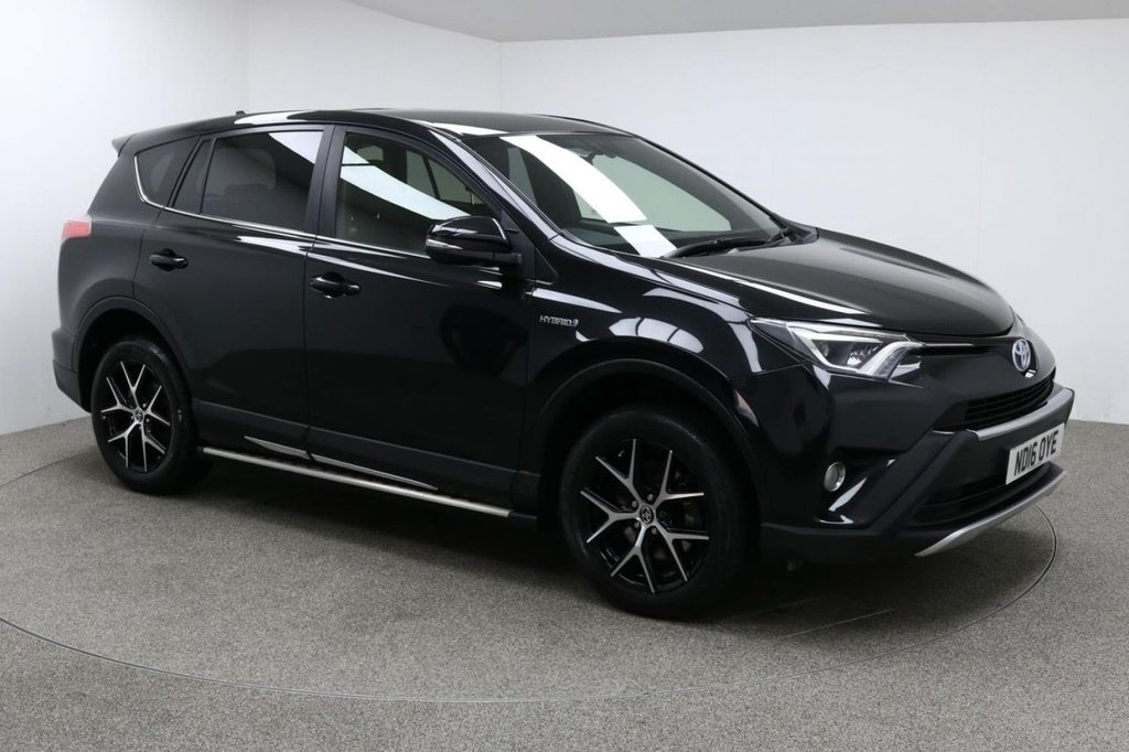 USED 2016 16 TOYOTA RAV4 2.5 VVT-I ICON AWD 5d AUTO 197 BHP Finished in stunning metallic Eclipse Black + Alloys + black half leather / cloth interior + Sat nav + Bluetooth + DAB Radio + Full TOYOTA Service history + Air con + Dual climate control + Multi function steering wheel + Cruise control + Electric Folding Mirrors + Electric Windows + Front / rear Parking sensors + Auto lights / wipers + Heated front seats + 1 Owner + £20 road tax + ULEZ EXEMPT