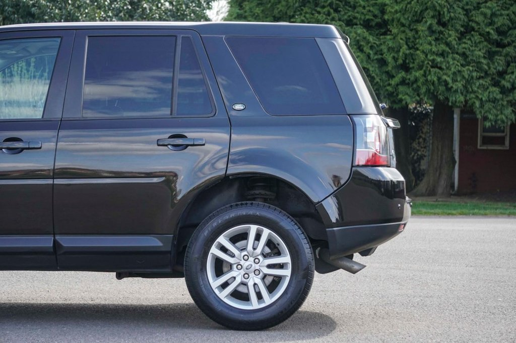USED 2013 W LAND ROVER FREELANDER 2.2 TD4 BLACK AND WHITE 5d 150 BHP