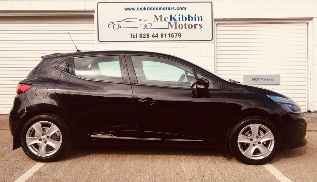 USED 2014 RENAULT CLIO DYNAMIQUE MEDIANAV 5d