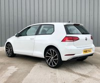 USED 2017 67 VOLKSWAGEN GOLF 1.6 SE TDI BLUEMOTION TECHNOLOGY 3d 114 BHP