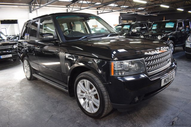 USED 2010 M LAND ROVER RANGE ROVER 3.6 TDV8 VOGUE SE 5d 271 BHP GREAT VALUE 3.6 TDV8 VOGUE SE - 9 STAMPS TO 108K MILES - IVORY LEATHER - NAV - TV - DUAL VIEW - PRIVATE PLATE INCLUDED