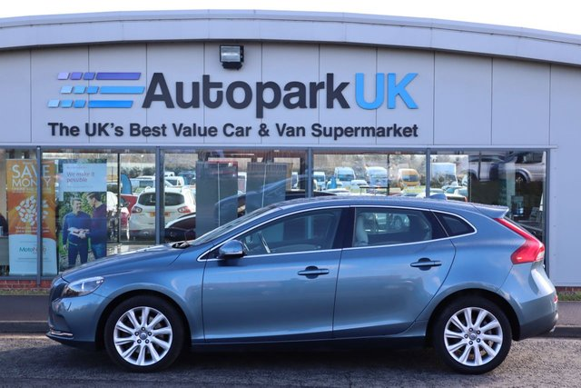 USED 2013 63 VOLVO V40 2.0 D3 SE LUX NAV 5d 148 BHP LOW DEPOSIT OR NO DEPOSIT FINANCE AVAILABLE
