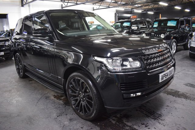 USED 2014 64 LAND ROVER RANGE ROVER 4.4 SDV8 AUTOBIOGRAPHY 5d 339 BHP STUNNING CONDITION - 4.4 SDV8 AUTOBIOGRAPHY - ONE PREVIOUS KEEPER - 8 LANDROVER SERVICES TO 86K - GLASS PAN ROOF - 21 INCH TURBINE ALLOYS - BLACK PACK - MERIDIAN SPEAKERS