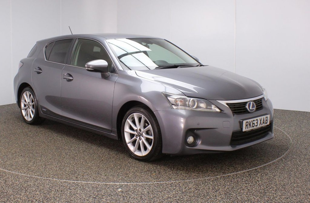 USED 2013 63 LEXUS CT 1.8 200H ADVANCE 5DR AUTO 136 BHP SERVICE HISTORY + FREE 12 MONTHS ROAD TAX + SATELLITE NAVIGATION + REVERSE CAMERA + PARKING SENSOR + BLUETOOTH + CRUISE CONTROL + CLIMATE CONTROL + MULTI FUNCTION WHEEL + ELECTRIC WINDOWS + ELECTRIC/FOLDING DOOR MIRRORS + ALLOY WHEELS