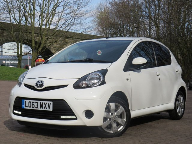 USED 2013 63 TOYOTA AYGO 1.0 VVT-I MOVE WITH STYLE 5d 68 BHP