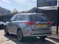 USED 2018 18 MITSUBISHI OUTLANDER 2.0 PHEV 4H 5d 200 BHP STUNNING ATLANTIC GREY PAINT WORK, BLACK LEATHER HEATED ELECTRIC SEATS, SAT NAV, REVERSE CAMERA, PARKING SENSORS, SUNROOF, POLISHED ALLOY WHEELS, DAB RADIO, 1 OWNER, DEALER HISTORY, 4X4 HYBRID