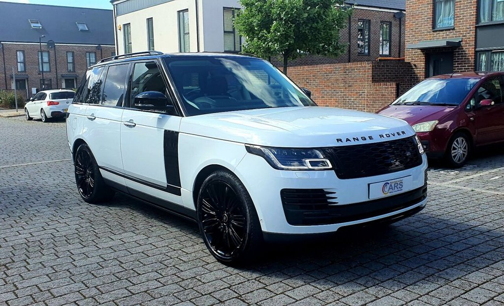 USED 2018 18 LAND ROVER RANGE ROVER 2.0L AUTOBIOGRAPHY 5d AUTO 399 BHP REAR TV's, PANROOF, HEAD UP DISPLAY, WARRANTY, FINANCE