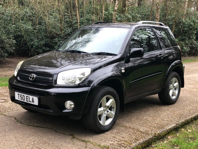 USED 2005 T TOYOTA RAV4 2.0 XT3 VVT-I 3d 147 BHP 4WD 4X4  LOW MILEAGE FINANCE ME TODAY-UK DELIVERY POSSIBLE