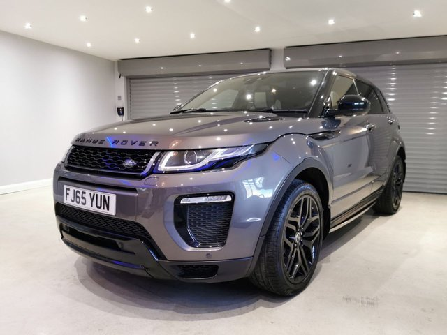 """USED 2015 65 LAND ROVER RANGE ROVER EVOQUE 2.0 TD4 HSE DYNAMIC 5d 177 BHP BLACK PACK + GLASS PANORAMIC ROOF + TWO TONE WINDSOR LEATHER + 20"""" BLACK ALLOY WHEELS"""