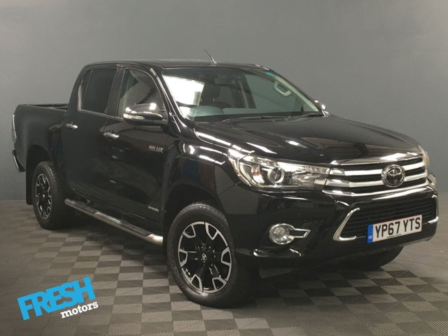 USED 2017 67 TOYOTA HI-LUX 2.4 INVINCIBLE X 4WD D-4D DCB  * 0% Deposit Finance Available