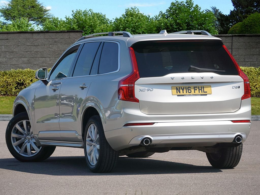 USED 2016 16 VOLVO XC90 2.0 D5 MOMENTUM AWD 5d 222 BHP Eye Catching Colour Combo FVSH