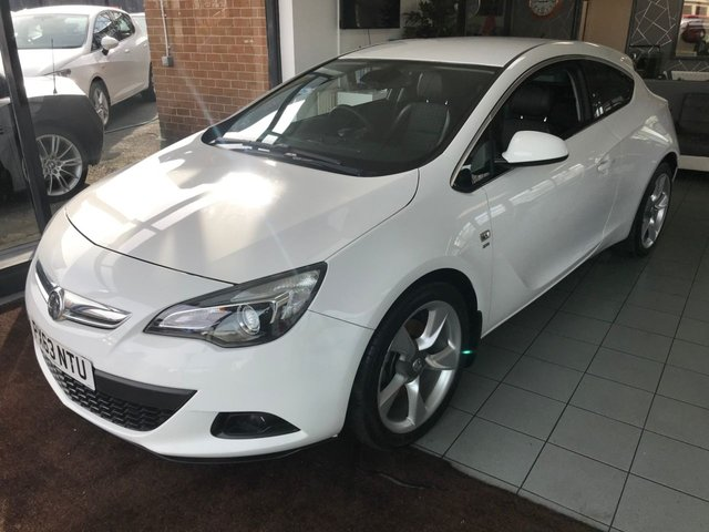 USED 2013 63 VAUXHALL ASTRA 1.7 GTC SRI CDTI S/S 3d 128 BHP **LOW MILES**FULL SERVICE HISTORY**