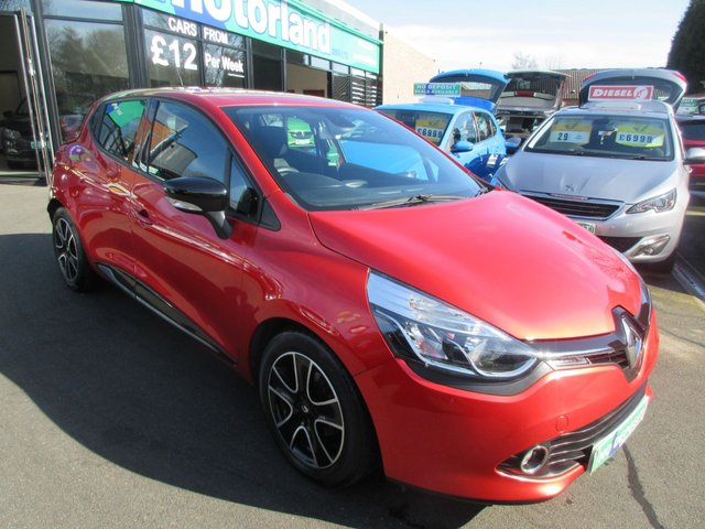 USED 2015 15 RENAULT CLIO 1.5 DYNAMIQUE MEDIANAV ENERGY DCI S/S 5d 90 BHP ** 01543 379066** JUST ARRIVED ** FULL SERVICE HISTORY **DIESEL**SAT NAV