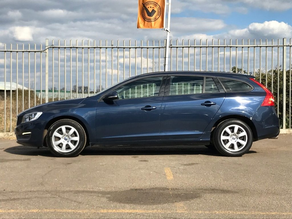 USED 2013 63 VOLVO V60 1.6 T3 BUSINESS EDITION 5d 148 BHP