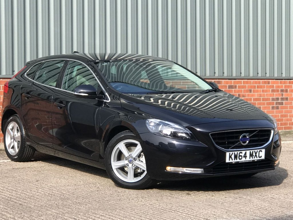 USED 2015 64 VOLVO V40 1.6 D2 SE NAV 5d 113 BHP EXCELLENT LOW MILEAGE EXAMPLE