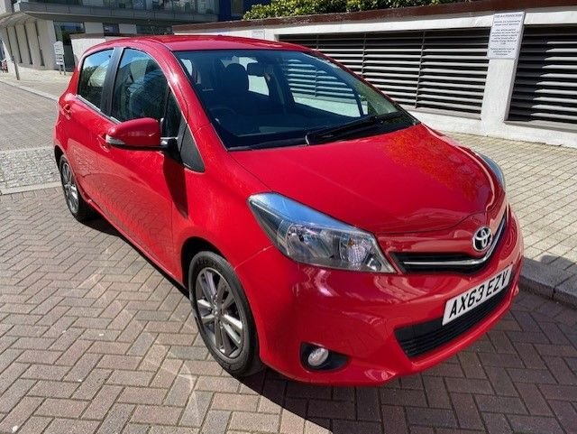 2014 63 TOYOTA YARIS 1.3 VVT-I ICON PLUS 5d 99 BHP