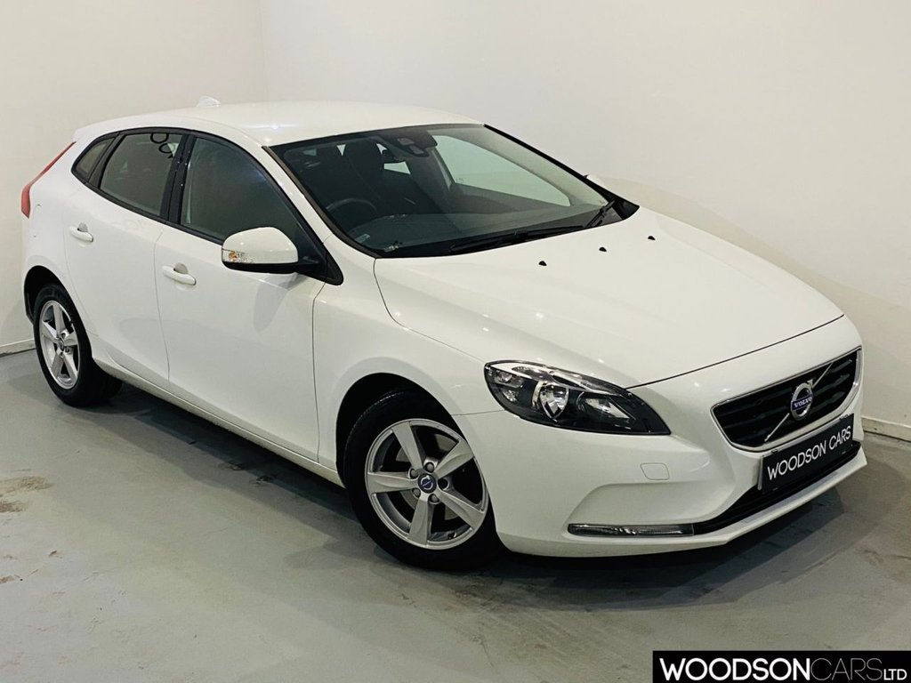 USED 2016 65 VOLVO V40 2.0 D2 ES 5d 118 BHP Delivery Available / FREE Road Tax / Aux Port / DAB Radio / Isofix