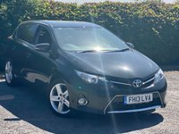 USED 2013 13 TOYOTA AURIS 1.6 EXCEL VALVEMATIC  5d * CRUISE CONTROL * 6 SPEED GEARBOX * PARK ASSIST AND SENSORS *