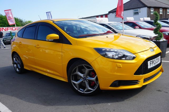 USED 2013 13 FORD FOCUS 2.0 ST-3 5d 247 BHP GREAT EAMPLE FINSHED IN   BRIGHT TANGERINE SCREAM YELLOW