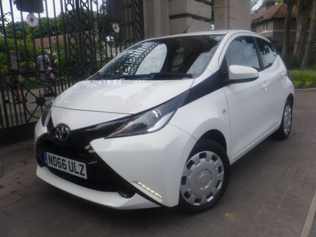 USED 2017 66 TOYOTA AYGO 1.0 VVT-I X-PLAY 5d 69 BHP *** FINANCE & PART EXCHANGE WELCOME *** 1 OWNER FROM NEW £ 0 FREE ROAD TAX AIR/CON BLUETOOTH PHONE CRUISE CONTROL