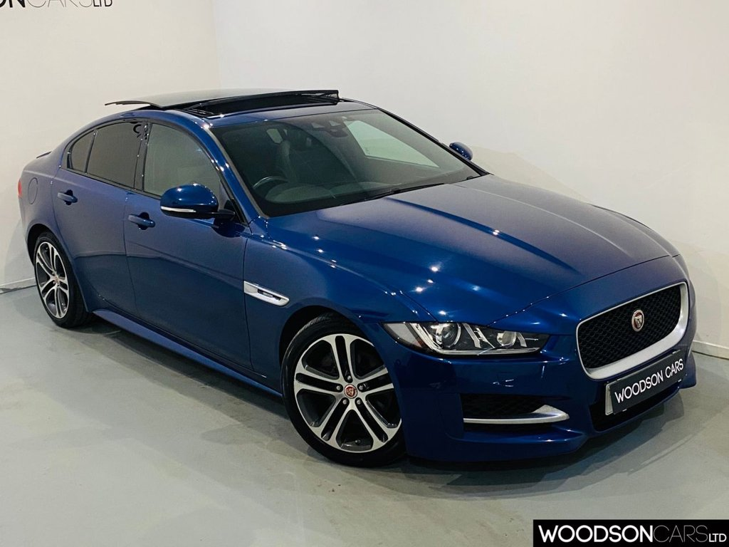 USED 2015 15 JAGUAR XE 2.0 R-SPORT 4d 178 BHP Sat Nav / Sunroof / Bluetooth / DAB / £20 Road Tax / Full Jaguar Service History