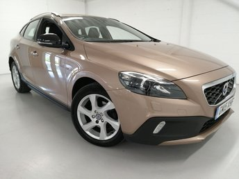 2015 VOLVO V40 1.6 D2 CROSS COUNTRY LUX 5d 113 BHP £9200.00