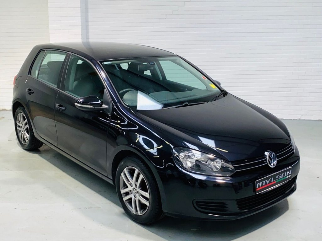 USED 2010 10 VOLKSWAGEN GOLF 1.6 SE TDI 5d 103 BHP Ultra Low Mileage, £30 Road Tax, AA Inspection Passed