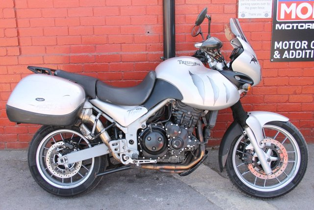 USED 2005 54 TRIUMPH TIGER 955I *12mth Mot, 3mth Warranty, PSH, Panniers* A Versatile Bike Thats Ready For Anything. Delivery Available.