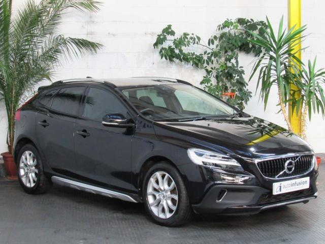 2017 67 VOLVO V40 1.5 T3 Pro Cross Country Auto (s/s) 5dr