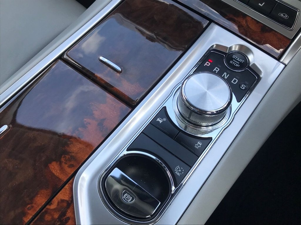 USED 2012 12 JAGUAR XF 2.2 D LUXURY 4d 190 BHP